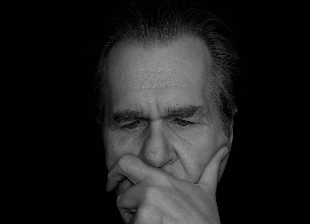 מהי מחלת האלצהיימר והאם יש הבדל בינה לבין דמנציה?